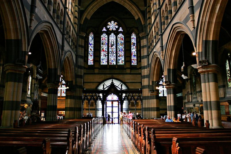 Interior_of_st_pauls_melb02